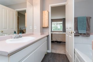 """Photo 28: 1 10238 155A Street in Surrey: Guildford Townhouse for sale in """"Chestnut Lane"""" (North Surrey)  : MLS®# R2499235"""