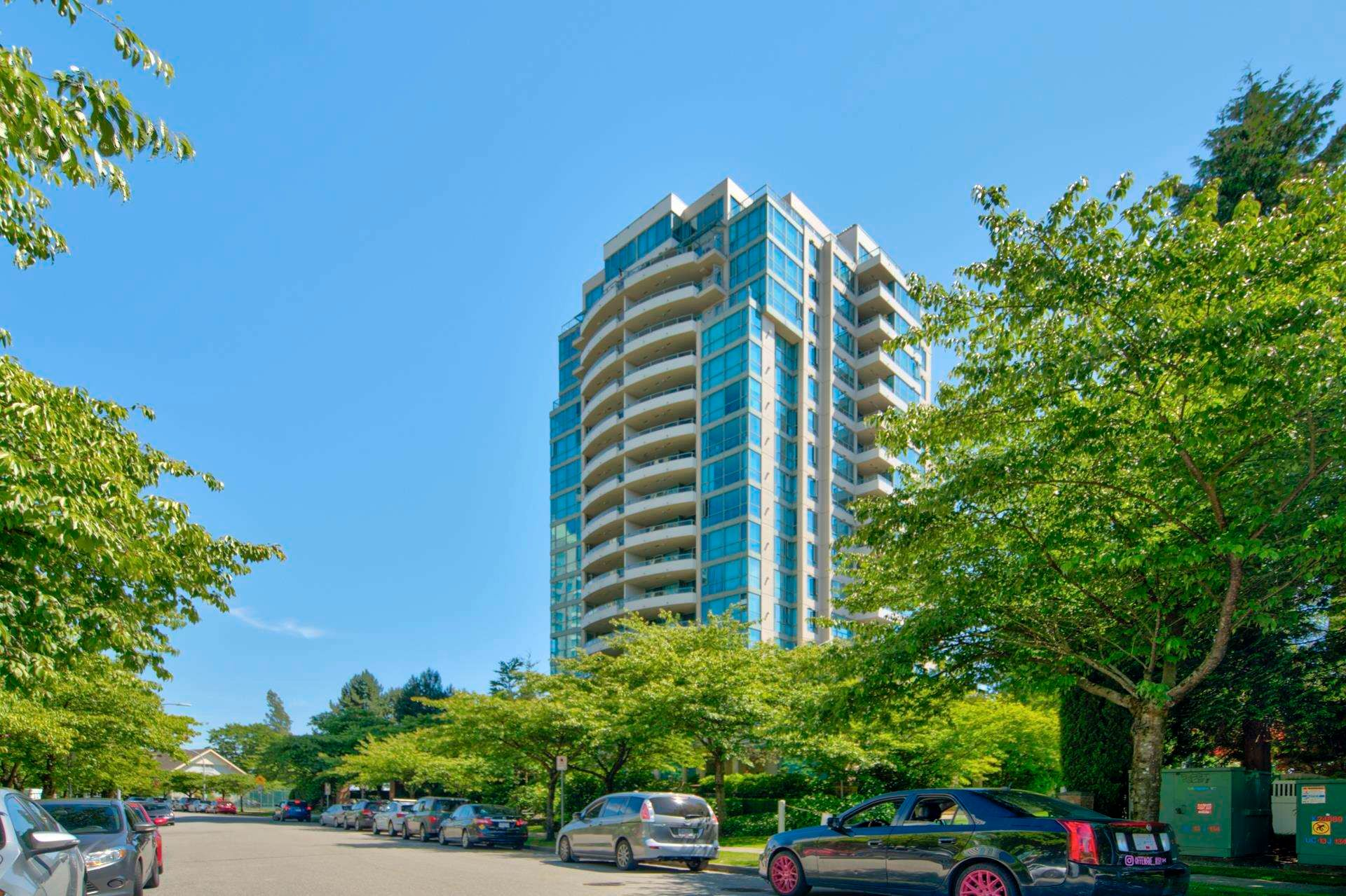 Main Photo: 1601 6622 SOUTHOAKS CRESCENT in Burnaby: Highgate Condo for sale (Burnaby South)  : MLS®# R2596768