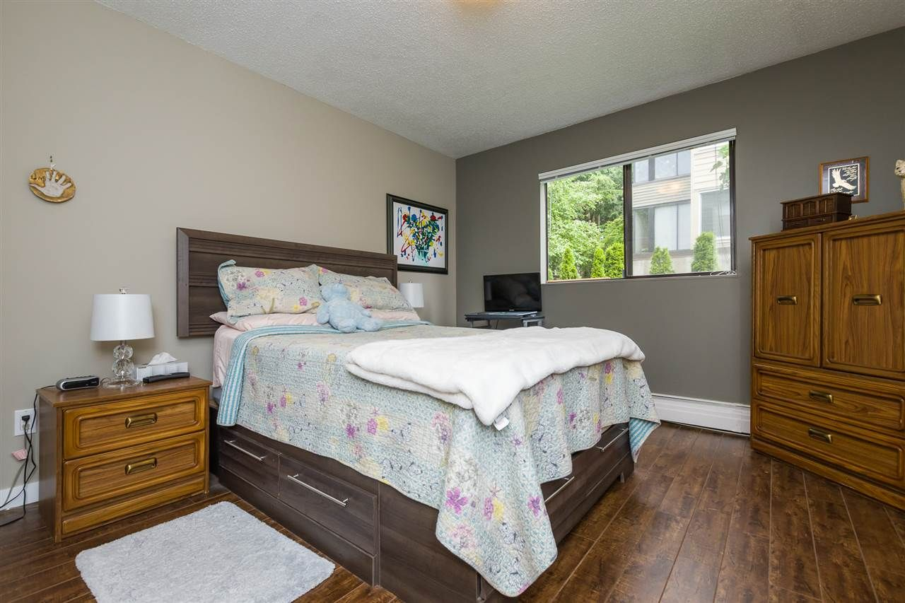 """Photo 14: Photos: 106 1442 BLACKWOOD Street: White Rock Condo for sale in """"BLACKWOOD MANOR"""" (South Surrey White Rock)  : MLS®# R2380049"""