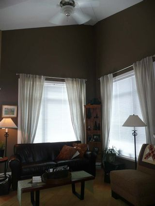 Photo 3: 404 4211 Bayview Street in The Village: Home for sale : MLS®# V821966