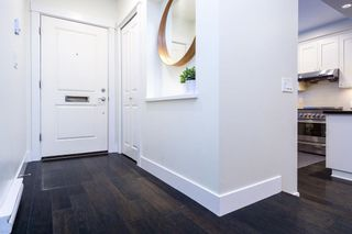 Photo 3: 5585 WILLOW STREET in Vancouver: Cambie Townhouse for sale (Vancouver West)  : MLS®# R2603135
