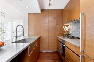 "Photo 11: 802 565 SMITHE Street in Vancouver: Downtown VW Condo for sale in ""VITA"" (Vancouver West)  : MLS®# R2539615"