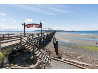 Photo 16: 952 PARKER Street: White Rock House for sale (South Surrey White Rock)  : MLS®# R2114907