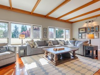 Photo 5: 102 Garner Cres in : Na University District House for sale (Nanaimo)  : MLS®# 857380