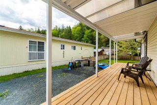 """Photo 16: 28 3942 COLUMBIA VALLEY Road: Cultus Lake Manufactured Home for sale in """"Cultus Lake Village"""" : MLS®# R2589511"""