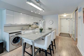 Photo 5: 712 15 Singer Court in Toronto: Bayview Village Condo for sale (Toronto C15)  : MLS®# C4800880