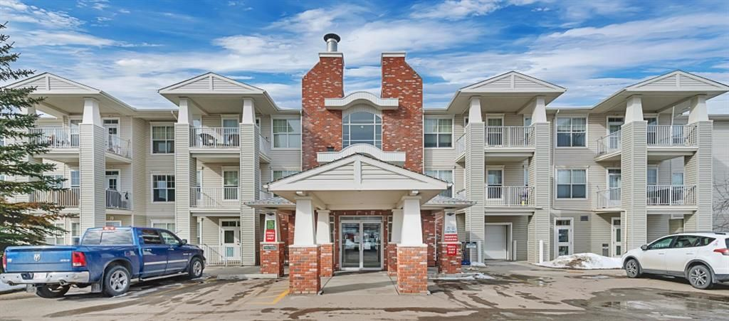 Main Photo: 126 4500 50 Avenue: Olds Apartment for sale : MLS®# A1076508