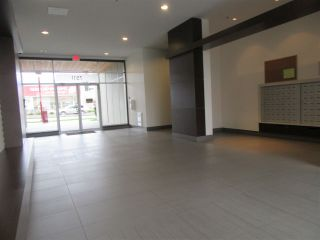 Photo 3: 305 7511 120 Street in Delta: Scottsdale Condo for sale (N. Delta)  : MLS®# R2083156