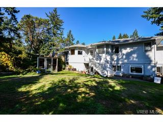 Photo 13: 121 Rockcliffe Pl in VICTORIA: La Thetis Heights House for sale (Langford)  : MLS®# 734804