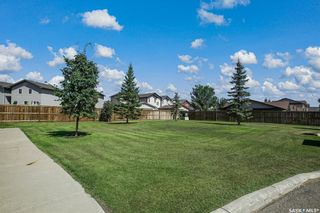 Photo 2: 117 410 Stensrud Road in Saskatoon: Willowgrove Residential for sale : MLS®# SK870320