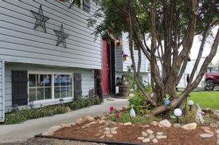 Photo 2: 330 CROOKED RIVER Crescent in Mackenzie: Mackenzie -Town House for sale (Mackenzie (Zone 69))  : MLS®# R2616474