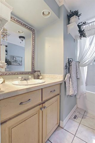 Photo 17: 20 Southampton Drive SW in Calgary: Southwood Detached for sale : MLS®# A1116477