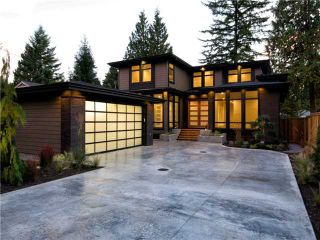 Photo 1: 1063 BELVEDERE Drive in North Vancouver: Canyon Heights NV House for sale : MLS®# V985753