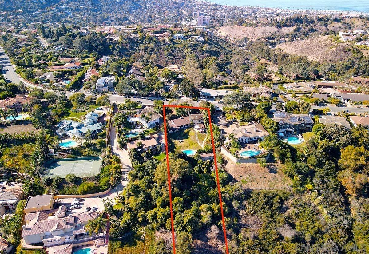 Main Photo: LA JOLLA House for sale : 5 bedrooms : 8051 La Jolla Scenic Dr North