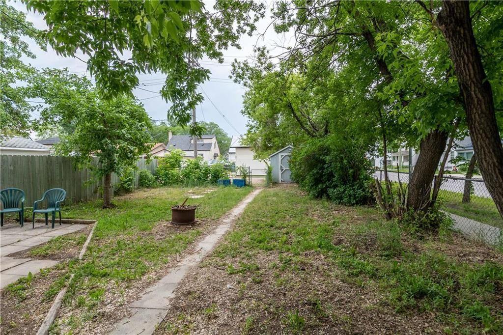 Photo 13: Photos: 364 Lariviere Street in Winnipeg: Norwood Residential for sale (2B)  : MLS®# 202115255