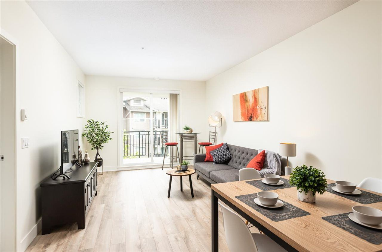 "Main Photo: 302 5788 SIDLEY Street in Burnaby: Metrotown Condo for sale in ""Macpherson Walk North (By Hungerford)"" (Burnaby South)  : MLS®# R2572546"