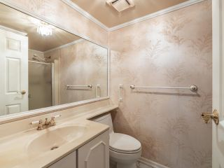 "Photo 9: 105 1521 BLACKWOOD Street: White Rock Condo for sale in ""SANDRINGHAM"" (South Surrey White Rock)  : MLS®# R2583925"