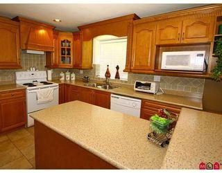 Photo 6: 8108 170TH Street in Surrey: Fleetwood Tynehead House for sale : MLS®# F2818072
