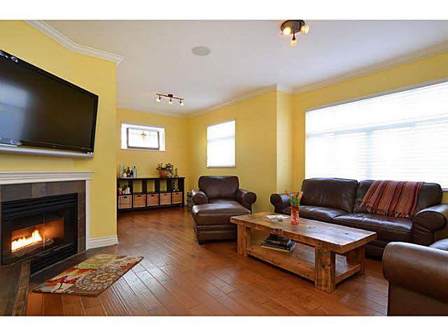 Photo 2: Photos: 13 4111 GARRY Street in Richmond: Steveston South Townhouse for sale : MLS®# V1091669