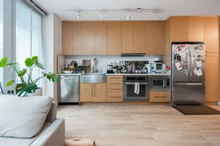 """Photo 4: 456 250 E 6TH Avenue in Vancouver: Mount Pleasant VE Condo for sale in """"DISTRICT"""" (Vancouver East)  : MLS®# R2625152"""