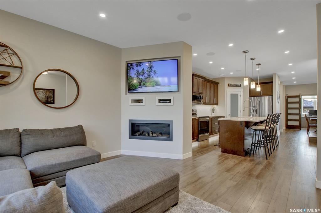 Main Photo: 2209 Francis Street in Regina: Broders Annex Residential for sale : MLS®# SK873717