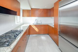 """Photo 10: 404 5958 IONA Drive in Vancouver: University VW Condo for sale in """"ARGYLL HOUSE EAST"""" (Vancouver West)  : MLS®# R2363675"""