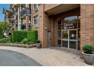 """Photo 4: 211 45753 STEVENSON Road in Chilliwack: Sardis East Vedder Rd Condo for sale in """"Park Place II"""" (Sardis)  : MLS®# R2613313"""