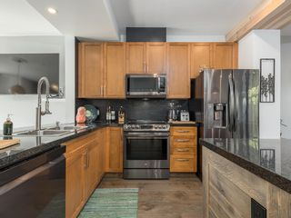 """Photo 4: 10 40632 GOVERNMENT Road in Squamish: Brackendale Townhouse for sale in """"Riverswalk"""" : MLS®# R2620887"""