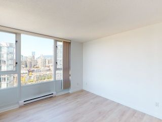 """Photo 15: 2607 1033 MARINASIDE Crescent in Vancouver: Yaletown Condo for sale in """"QUAY WEST"""" (Vancouver West)  : MLS®# R2604092"""