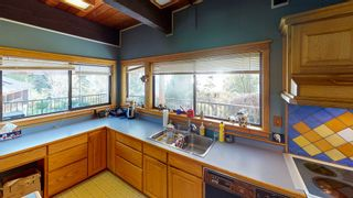 "Photo 9: 5359 BENNER Road in Sechelt: Sechelt District House for sale in ""SELMA PARK"" (Sunshine Coast)  : MLS®# R2565678"