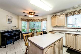 Photo 3: 204 1150 LYNN VALLEY Road in North Vancouver: Lynn Valley Condo for sale : MLS®# R2207989