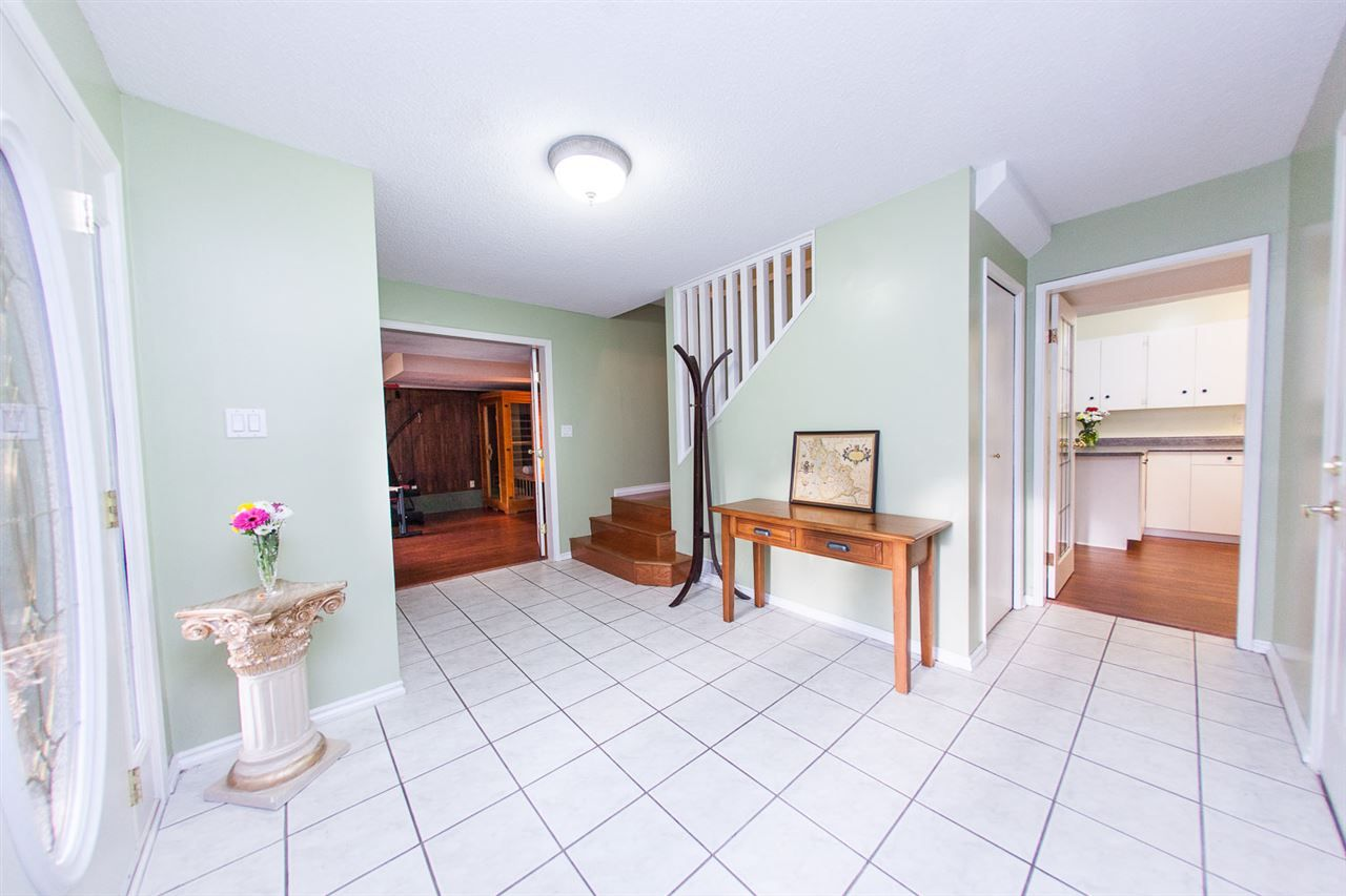 Photo 3: Photos: 8560 ARPE Crescent in Delta: Nordel House for sale (N. Delta)  : MLS®# R2027555