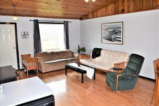 Photo 5: 2 Westview Drive in Lac Du Bonnet RM: R28 Residential for sale : MLS®# 202109975