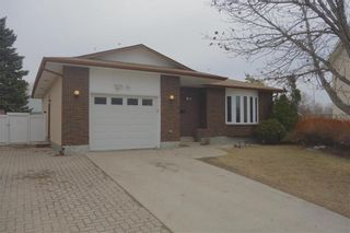 Photo 1: 38 Forest Cove Drive in Winnipeg: Meadows West Residential for sale (4L)  : MLS®# 202107462