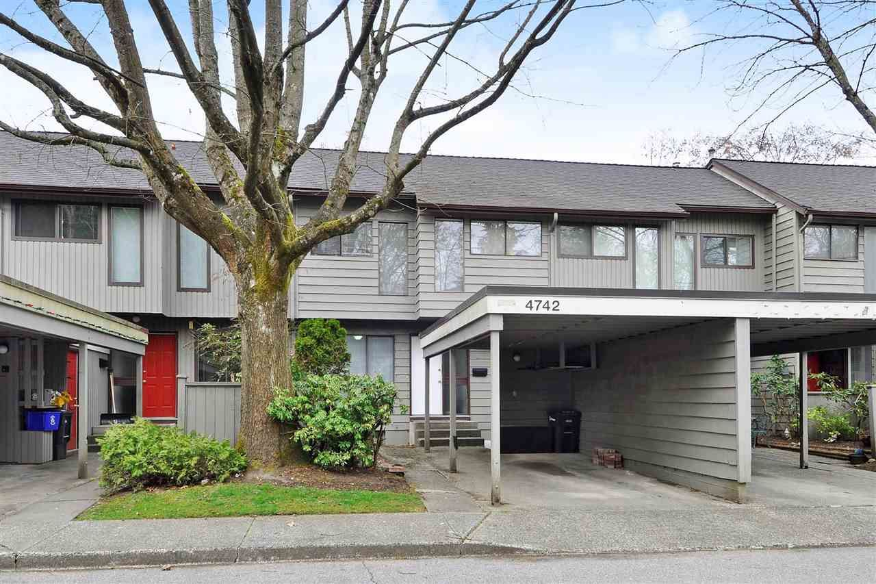 Main Photo: 4742 LAURELWOOD PLACE in Burnaby: Greentree Village Townhouse for sale (Burnaby South)  : MLS®# R2352959
