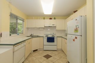 Photo 8: 412 13900 HYLAND ROAD in Surrey: East Newton Townhouse for sale : MLS®# R2112905