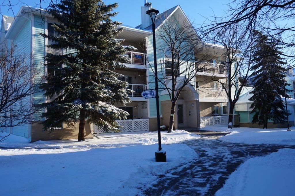 Main Photo: 3209-493 Thompson Drive in : Jameswood Condominium for sale