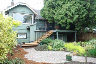 Photo 4: 3079 GRAVELEY Street in Vancouver: Renfrew VE House for sale (Vancouver East)  : MLS®# R2262350