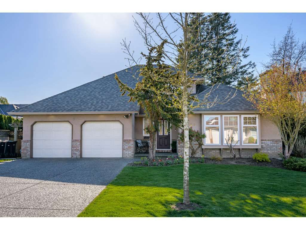 """Main Photo: 4553 217 Street in Langley: Murrayville House for sale in """"Murrayville"""" : MLS®# R2569555"""