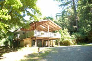 Photo 1: 1457 WOODS ROAD: Bowen Island House for sale : MLS®# R2186060