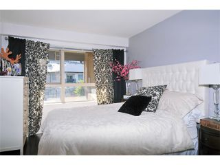 "Photo 5: 412 700 KLAHANIE Drive in Port Moody: Port Moody Centre Condo for sale in ""BOARDWALK AT KLAHANIE"" : MLS®# V935003"