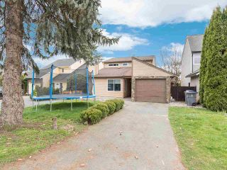 Photo 1: 19418 62 Avenue in Surrey: Cloverdale BC House for sale (Cloverdale)  : MLS®# R2558161