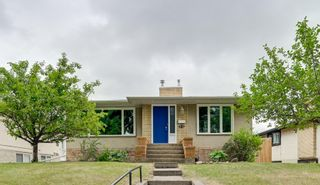 Photo 1: 8116 96 Avenue in Edmonton: Zone 18 House for sale : MLS®# E4253261