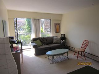 """Photo 7: 210 2330 MAPLE Street in Vancouver: Kitsilano Condo for sale in """"Maple Gardens"""" (Vancouver West)  : MLS®# R2566982"""