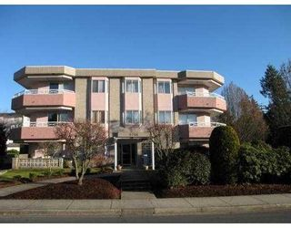 Photo 1: 104 6788 MCKAY Avenue in Burnaby: Metrotown Condo for sale (Burnaby South)  : MLS®# V724171