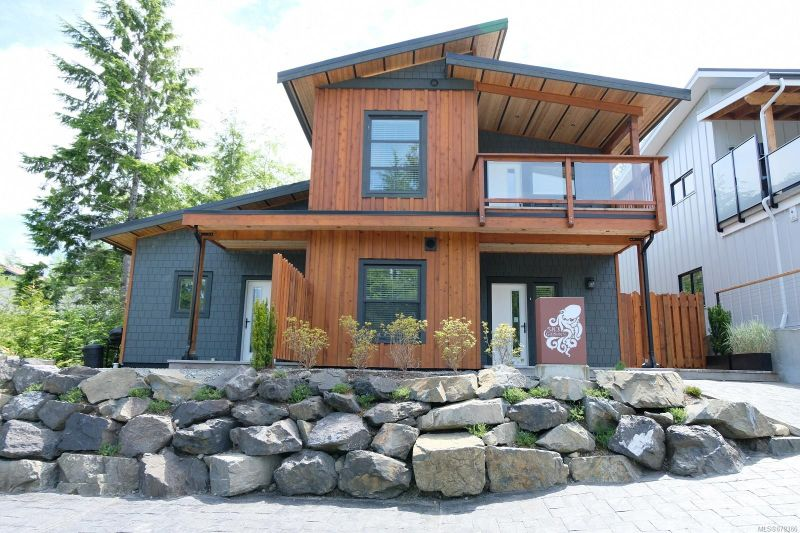 FEATURED LISTING: 583 Gibson St