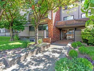 """Photo 17: 104 535 BLUE MOUNTAIN Street in Coquitlam: Central Coquitlam Condo for sale in """"Regal Court"""" : MLS®# R2561452"""
