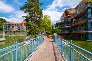 "Photo 35: 406 3065 PRIMROSE Lane in Coquitlam: North Coquitlam Condo for sale in ""LAKESIDE TERRACE"" : MLS®# R2381965"