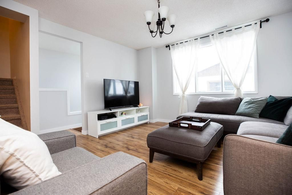 Photo 12: Photos: 284 Parkview Street in Winnipeg: St James Residential for sale (5E)  : MLS®# 202004878