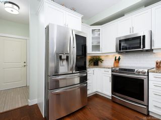 Photo 7: 218 2710 Jacklin Rd in VICTORIA: La Langford Proper Condo for sale (Langford)  : MLS®# 833056